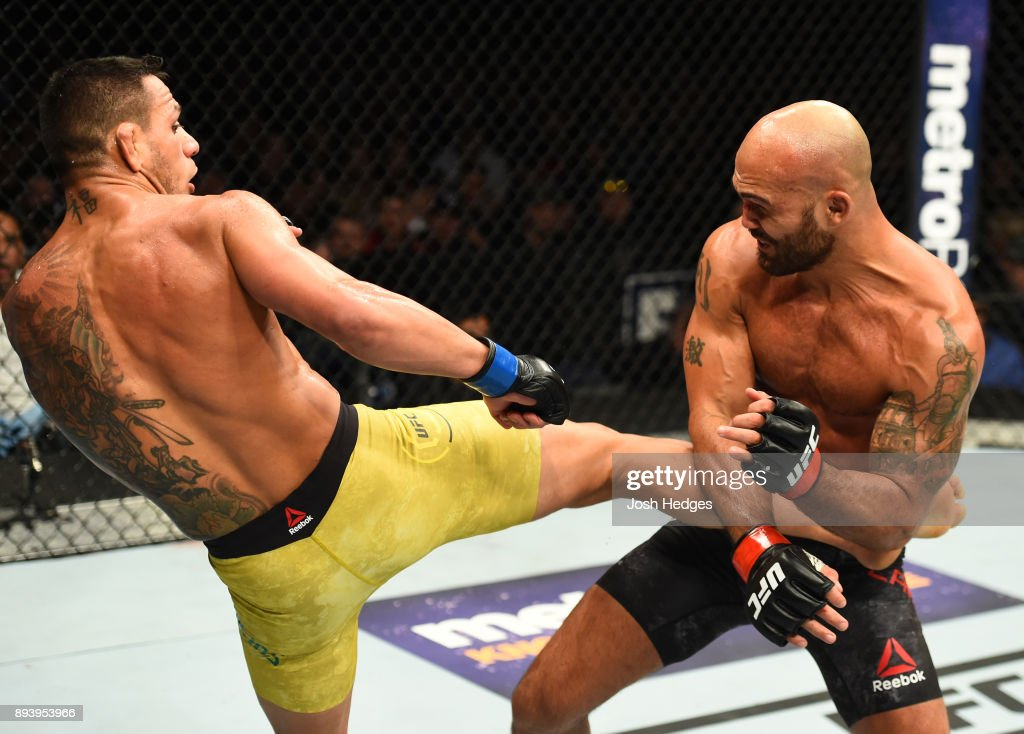 UFC Fight Night: Lawler v Dos Anjos : News Photo