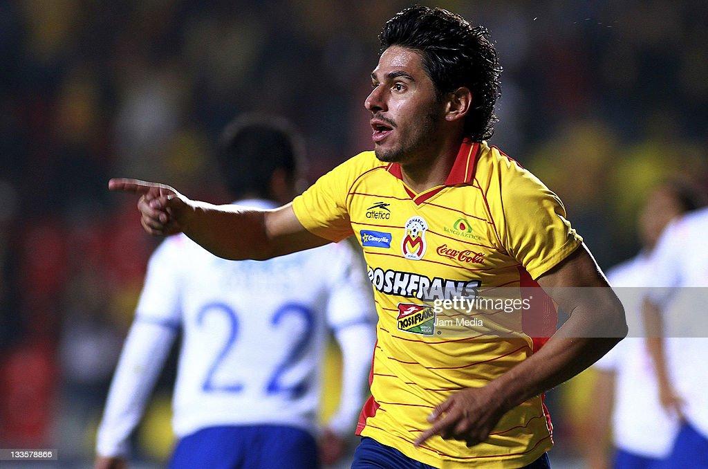 Cruz Azul v Morelia - Apertura 2011