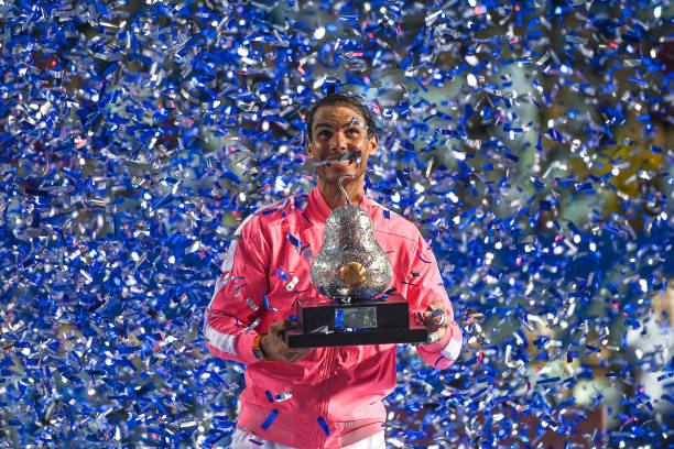 ATP ACAPULCO 2020 - Page 5 Rafael-nadal-of-spain-celebrates-with-the-trophy-after-his-victory-picture-id1209606326?k=6&m=1209606326&s=612x612&w=0&h=xlwFQahyKl0xpgeWySWw39C_xUpY9UwKoGisgEVfQPo=