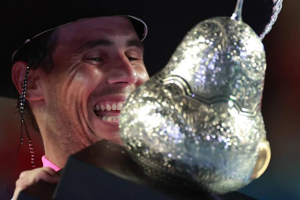 ATP ACAPULCO 2020 - Page 5 Rafael-nadal-of-spain-celebrates-with-the-winners-trophy-after-the-picture-id1209602480?k=6&m=1209602480&s=612x612&w=0&h=UgnVCf8H1IaOCDOYHu2FfjbUaJLnEA21XJCW2qU-8A4=