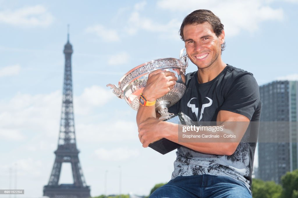 Rafael Nadal Celebrates His 10th French Open Title In Paris : Foto di attualità