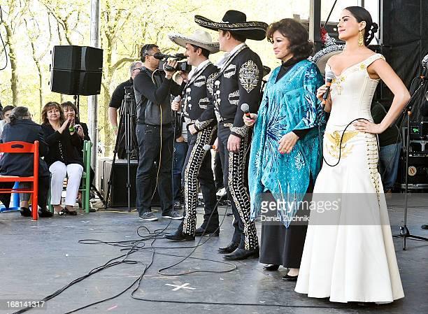 Rafael Negrete Arturo Peniche Angelica Maria and Danna Garcia perform during the Que Bonito Amor presentation at the Festival Cinco de Mayo in...