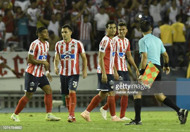 Rafael Perez Marlon Piedrahita Jefferson Gomez and Victor Cantillo of Junior celebrate their classification to the final after the semifinal second...