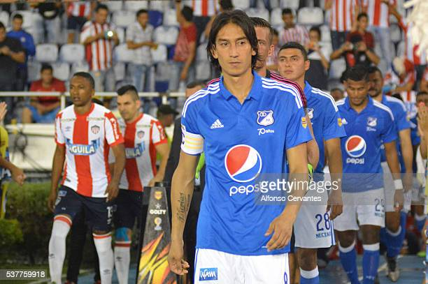 Rafael Robayo of Millonarios gets in the field prior a first leg match between Junior and Millonarios as part of quarter finals of Liga Aguila I 2016...