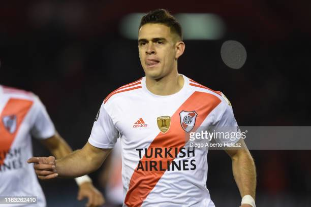 Rafael Santos Borre of River Plate celebrates after scoring the second goal during a match between River Plate and Cerro Porteño as part of Quarter...