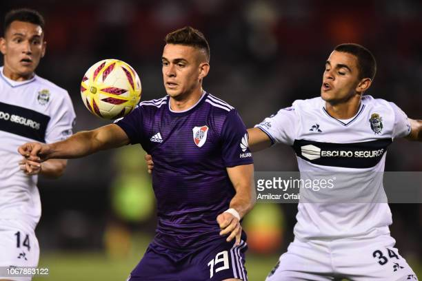 Rafael Santos Borre of River Plate controls the ball during a match between River Plate and Gimnasia y Esgrima La Plata as part of Superliga 2018/19...