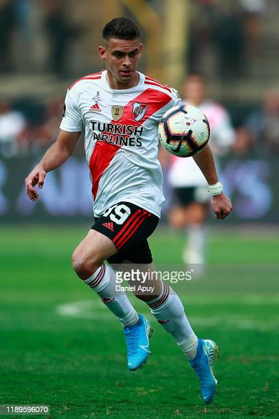 Rafael Santos Borre of River Plate controls the ball during the final match of Copa CONMEBOL Libertadores 2019 between Flamengo and River Plate at...