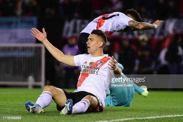 Rafael Santos Borre of River Plate reacts during the semi final first leg match between River Plate and Boca Juniors as part of Copa CONMEBOL...