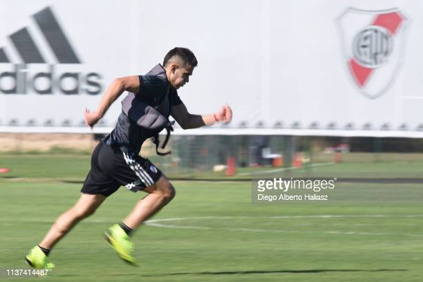 Rafael Santos Borre of River Plate runs during a training session at River Camp Ezeiza on March 21 2019 in Buenos Aires Argentina