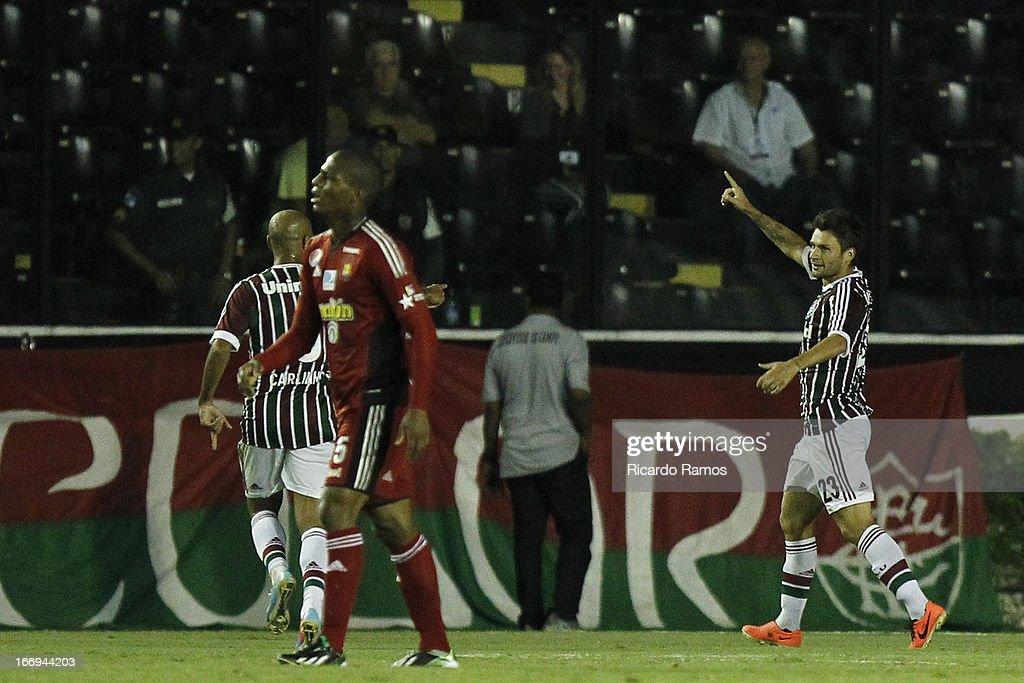 Fluminense v Caracas FC - Copa Bridgestone Libertadores 2013