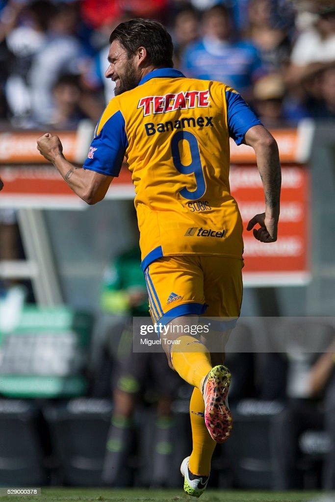 Cruz Azul v Tigres - Torneo Clausura 2016 Liga MX