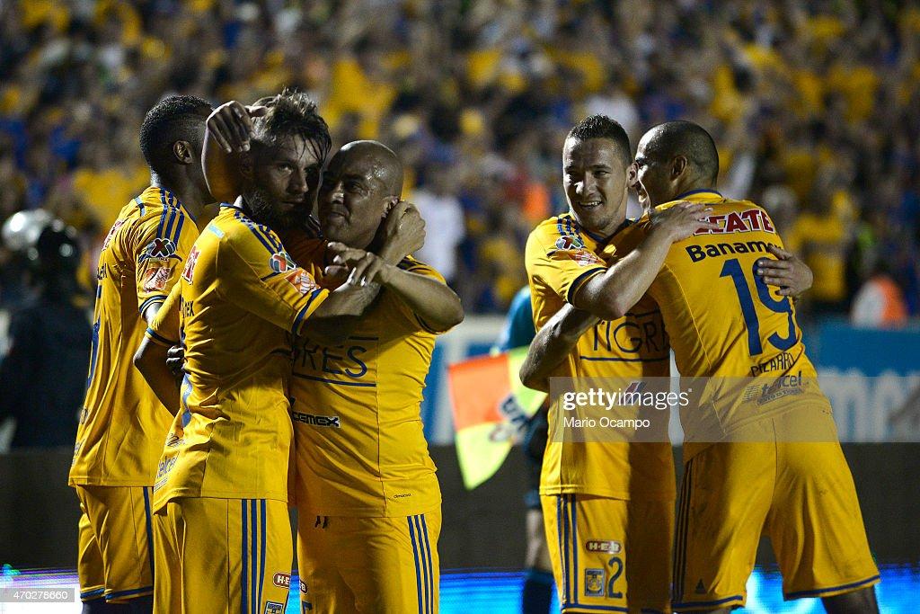 Tigres UANL v Monterrey - Clausura 2015 Liga MX
