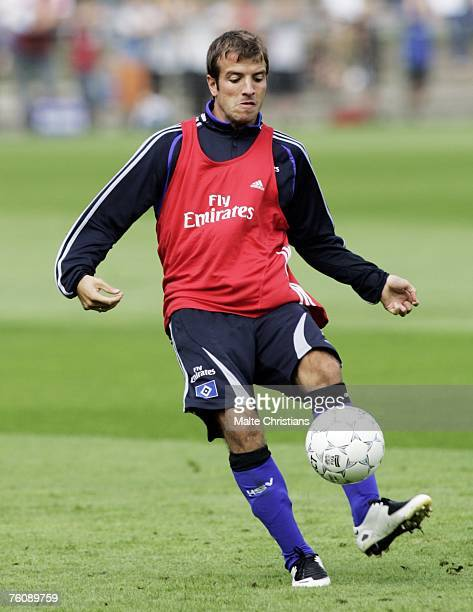 Rafael Van Der Vaart in action during the Hamburger SV training session at the HSH Nordbank Arena on August 14, 2007 in Hamburg, Germany.