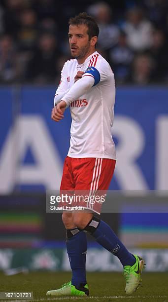 Rafael Van Der Vaart of Hamburg adjusts his captain armband during the Bundesliga match between Hamburger SV and Fortuna Duesseldorf 1895 at Imtech...