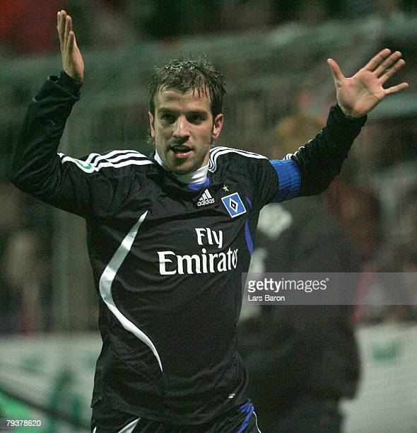 Rafael van der Vaart of Hamburg celebrtes scoring the first goal during the DFB Cup Round of 16 match between RotWeiss Essen and Hamburger SV at...