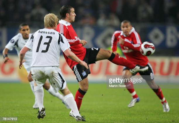 Rafael van der Vaart of Hamburg in action during the UEFA Cup Group D match between Hamburger SV and Rennes at the HSH Nordbank Arena on November 29...