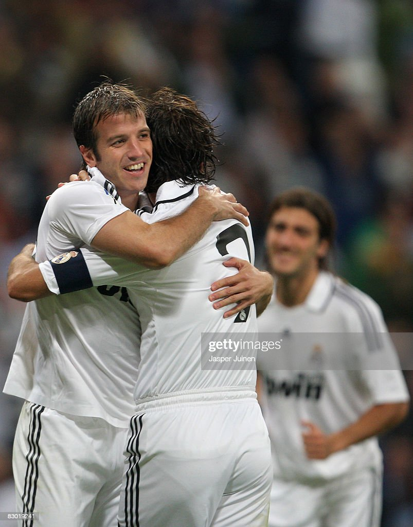 Rafael Van der Vaart (L) of Real Madrid celebrates his third goal 7172b9472038f