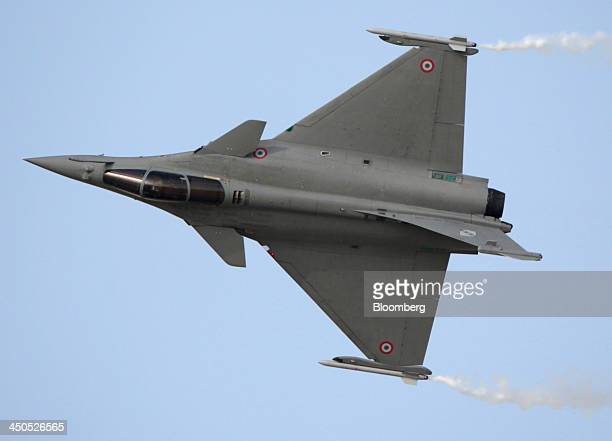 A Rafale fighter jet aircraft manufactured by Dassault Aviation SA is seen performing an aerial display during the 13th Dubai Airshow at Dubai World...