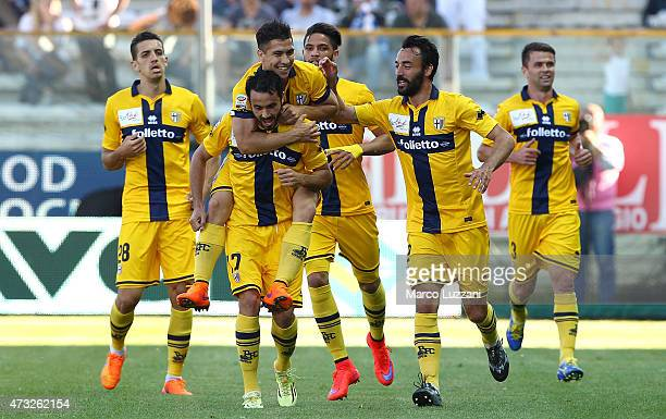 Raffaele Palladino of Parma FC celebrates with his teammates after scoring the opening goal during the Serie A match between Parma FC and SSC Napoli...