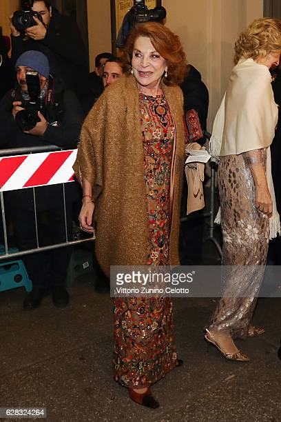 Raffaella Curiel arrives at the Teatro alla Scala Season 2016/17 opening at Teatro Alla Scala on December 7 2016 in Milan Italy