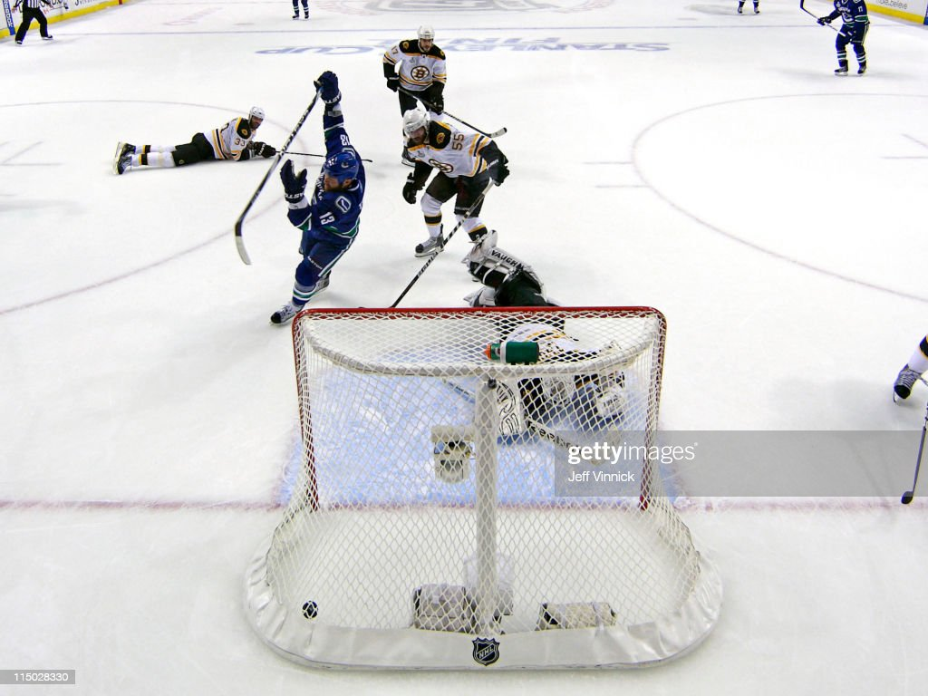 Boston Bruins v Vancouver Canucks - Game One