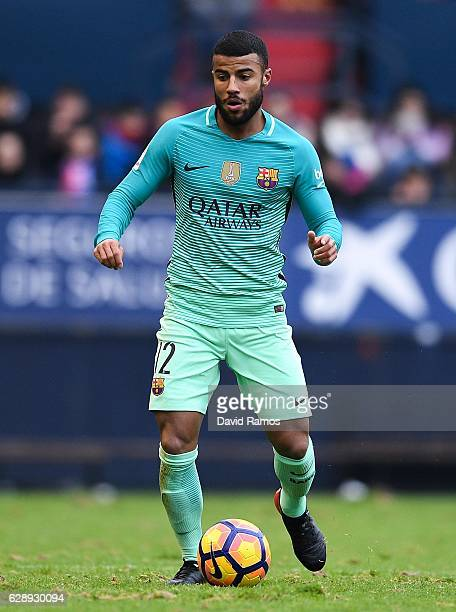 Rafinha Alcantara of FC Barcelona runs with the ball during the La Liga match between CA Osasuna and FC Barcelona at Sadar stadium on December 10...