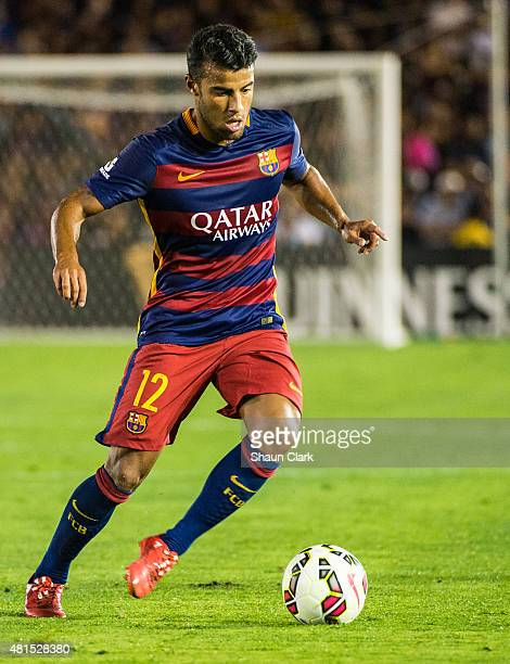 Rafinha of Barcelona dribbles upfield during the International Champions Cup 2015 match between FC Barcelona and Los Angeles Galaxy at the Rose Bowl...