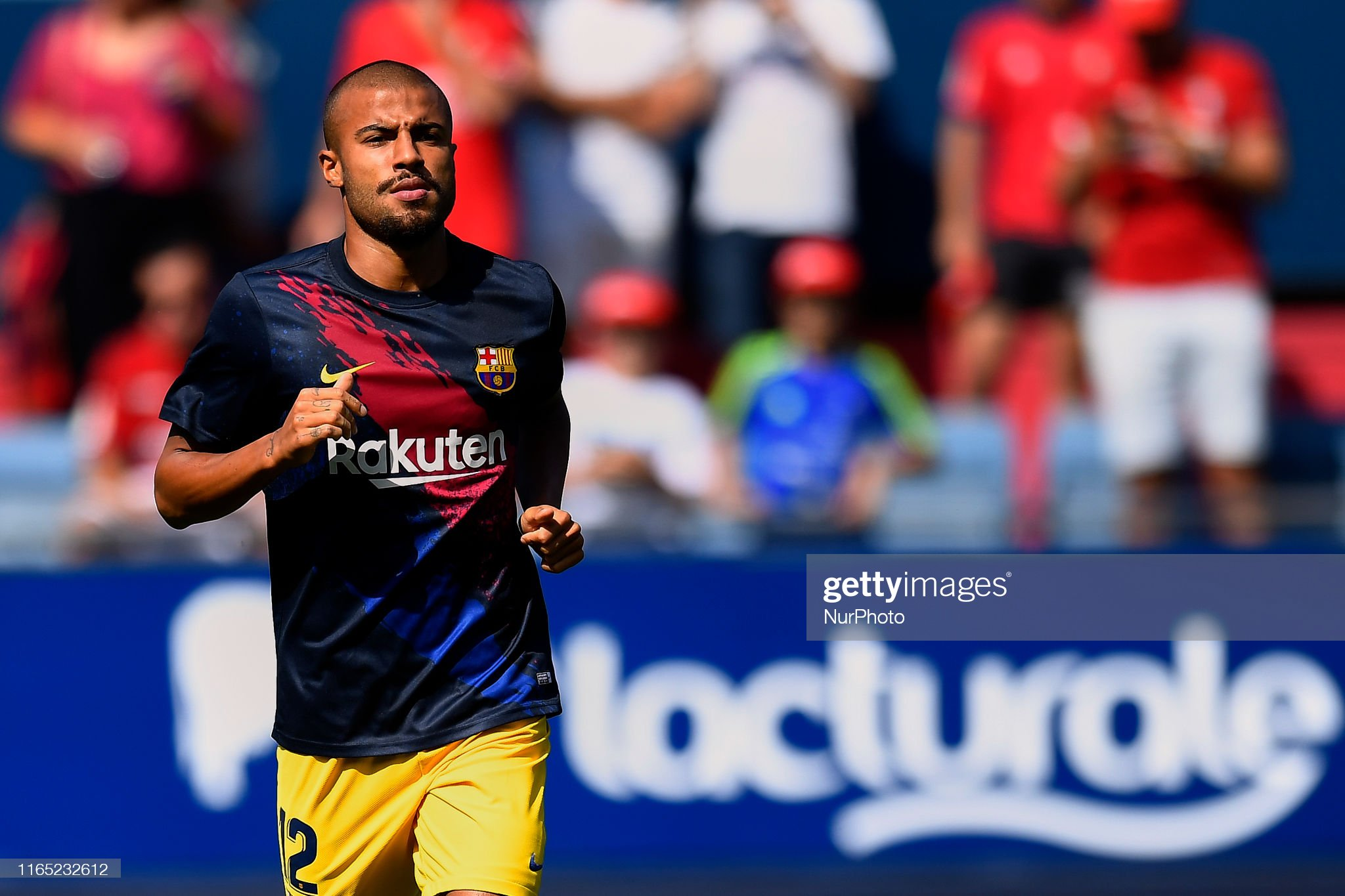 صور مباراة : أوساسونا - برشلونة 2-2 ( 31-08-2019 )  Rafinha-of-barcelona-during-the-warmup-before-the-liga-match-between-picture-id1165232612?s=2048x2048
