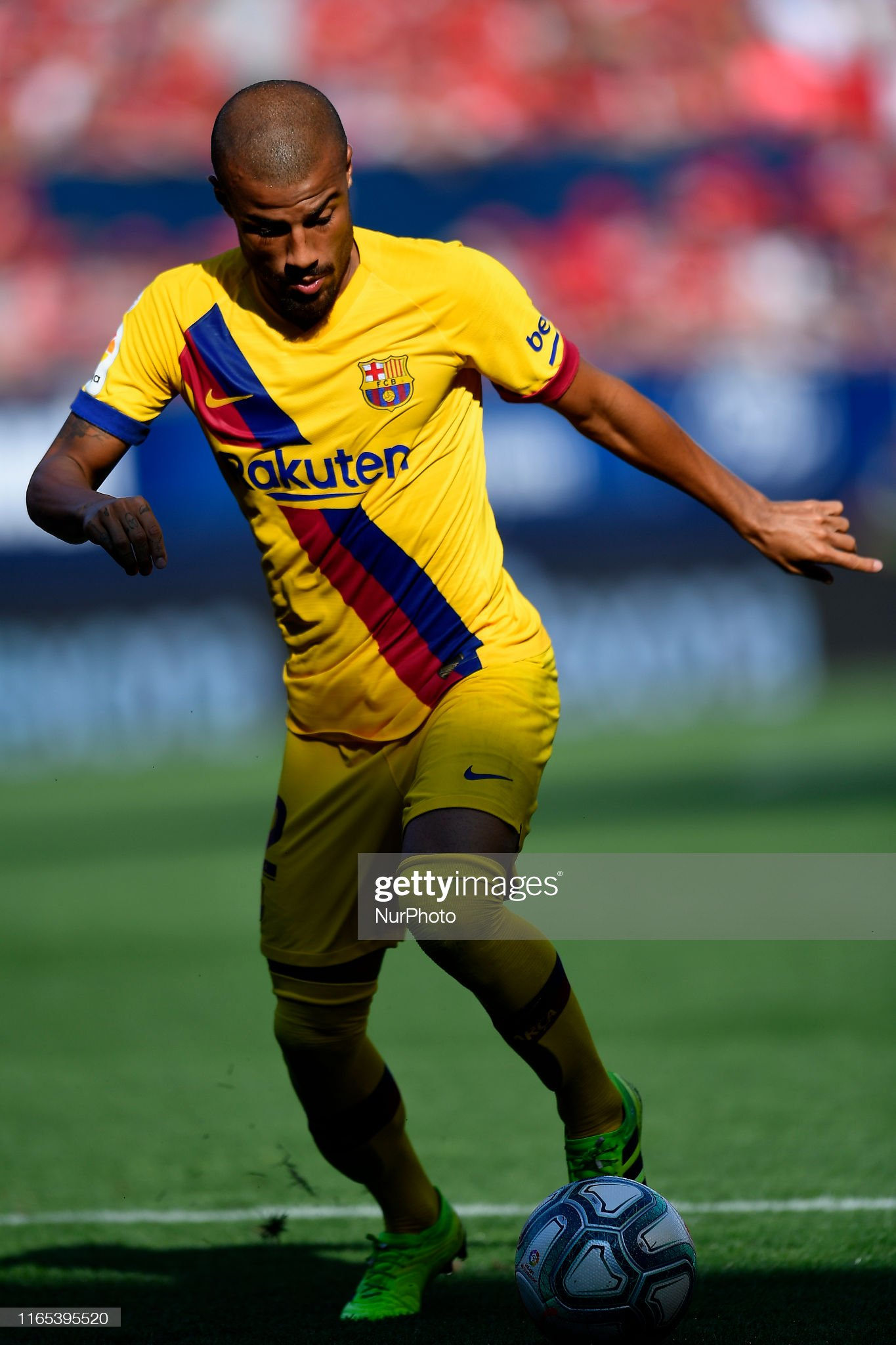 صور مباراة : أوساسونا - برشلونة 2-2 ( 31-08-2019 )  Rafinha-of-barcelona-in-action-during-the-liga-match-between-ca-and-picture-id1165395520?s=2048x2048
