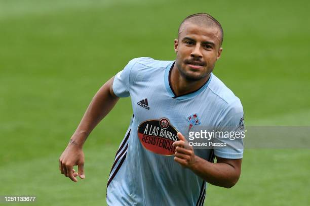 Rafinha of Celta Vigo celebrates after scoring his team's third goal during the Liga match between RC Celta de Vigo and Deportivo Alaves at...