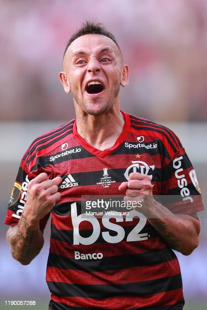 Rafinha of Flamengo celebrates the victory after winning the final match of Copa CONMEBOL Libertadores 2019 between Flamengo and River Plate at...
