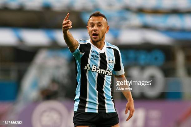 Rafinha of Gremio reacts during a match between Gremio and Lanus as part of group H of Copa CONMEBOL Sudamericana 2021 at Arena do Gremio on May 13,...