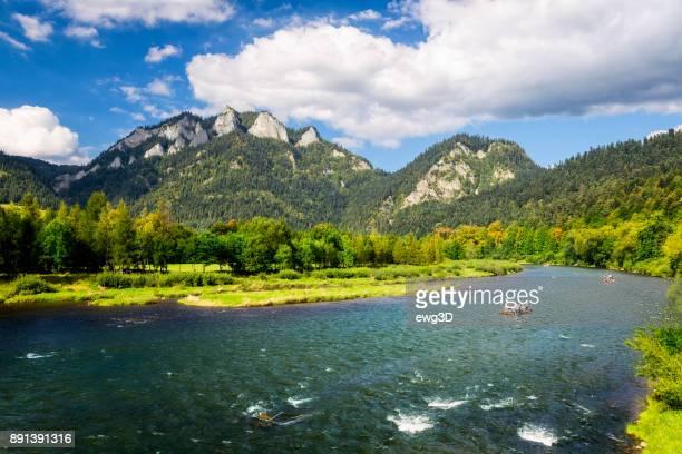 rafting no rio dunajec, polônia - parque nacional - fotografias e filmes do acervo