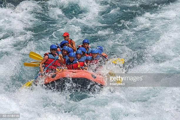 canoagem em água branca - rafting em águas selvagens - fotografias e filmes do acervo