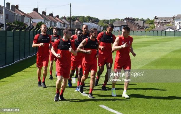 Ragnar Klavan Andrew Robertson Daniel Sturridge Joel Matip Danny Ward Adam Lallana Naby Keita Fabinho and James Milner of Liverpool during their...