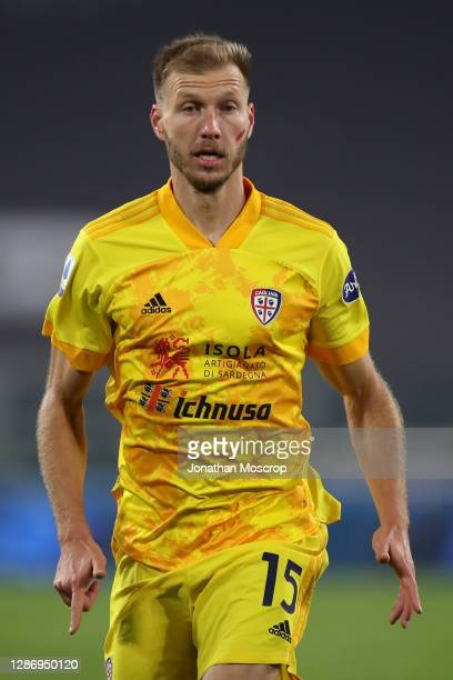 Ragnar Klavan of Cagliari during the Serie A match between Juventus and Cagliari Calcio at Allianz Stadium on November 21, 2020 in Turin, Italy.