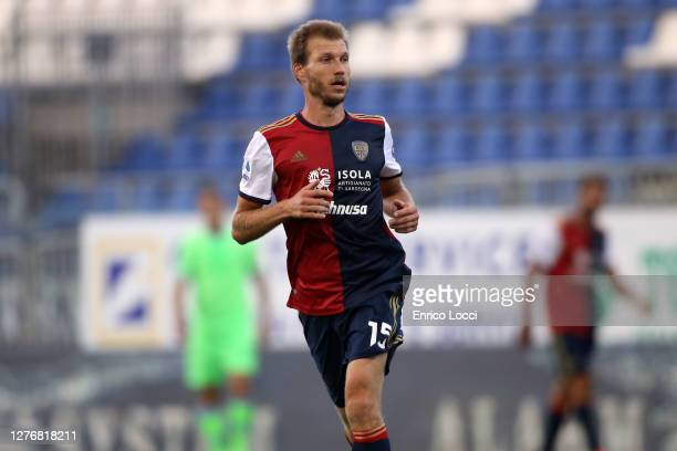 Ragnar Klavan of Cagliari in action during the Serie A match between Cagliari Calcio and SS Lazio at Sardegna Arena on September 26, 2020 in...