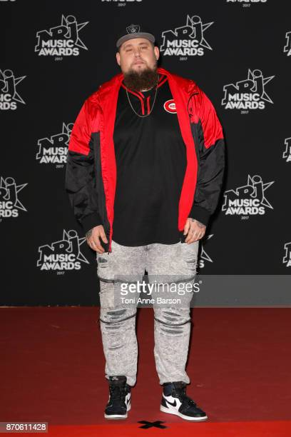 Rag'n'Bone Man arrives at the 19th NRJ Music Awards ceremony at the Palais des Festivals on November 4 2017 in Cannes France