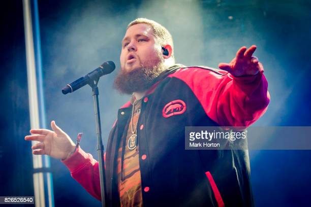 Rag'n'Bone Man performs on Day 1 of the Osheaga Music and Art Festival at Parc JeanDrapeau on August 4 2017 in Montreal Canada