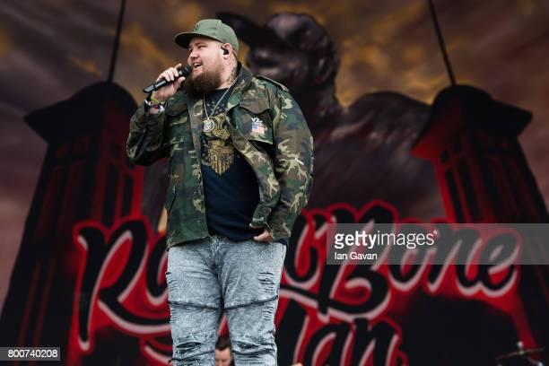 Rag'n'Bone Man performs on day 4 of the Glastonbury Festival 2017 at Worthy Farm Pilton on June 25 2017 in Glastonbury England