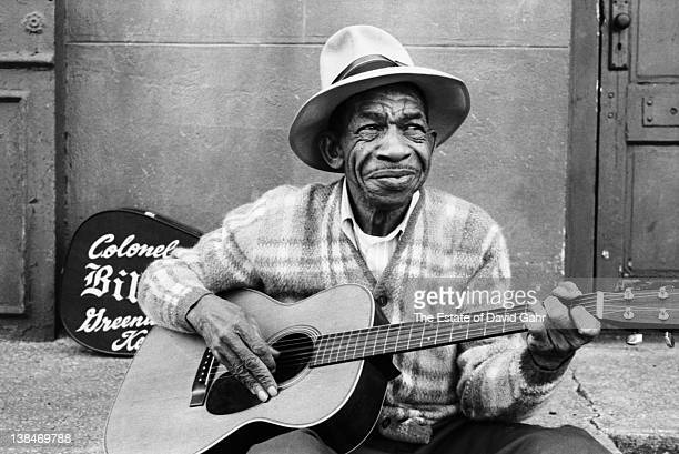 Ragtime and blues artist Bill 'Colonel' Williams performs in February 1972 in New York City New York