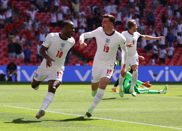 Raheem Sterling of England celebrates with Mason Mount after scoring their side's first goal during the UEFA Euro 2020 Championship Group D match...