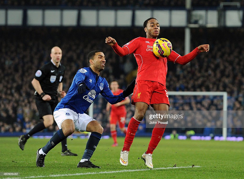 Raheem Sterling of Liverpool competes with Aaron Lennon of Everton during the Barclays Premier League match between Everton and Liverpool at Goodison Park on February 7, 2015 in Liverpool, England.