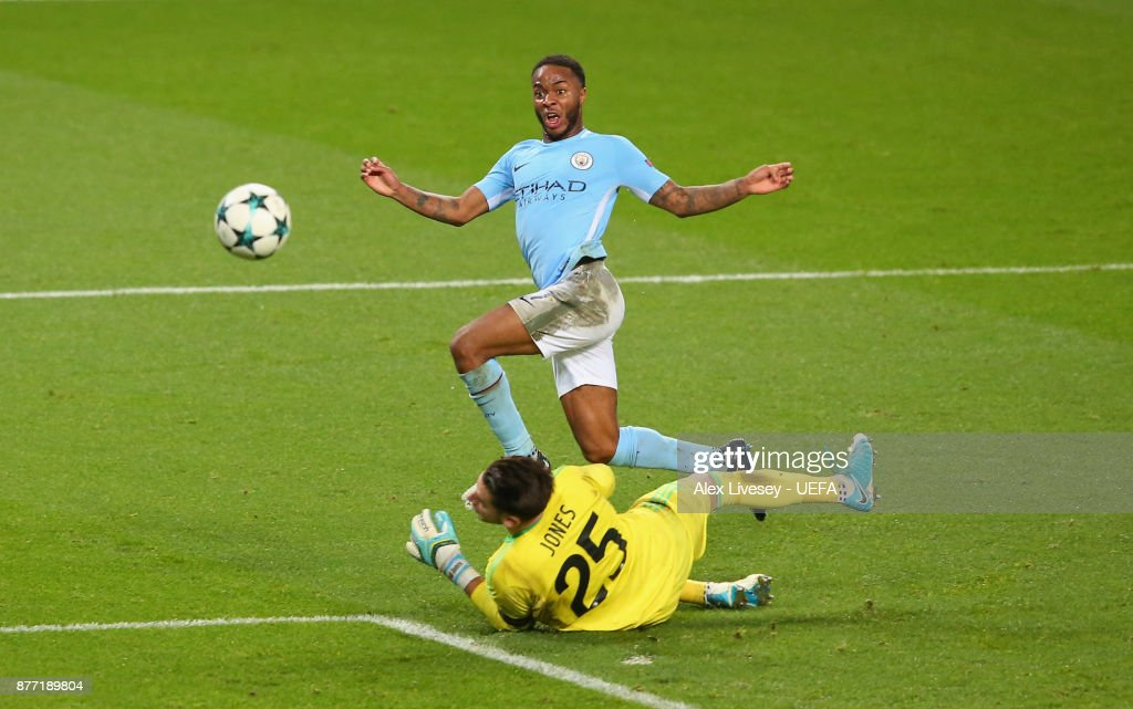 Raheem Sterling of Manchester City beats Brad Jones of Feyenoord to score the opening goal during the UEFA Champions League group F match between Manchester City and Feyenoord at Etihad Stadium on November 21, 2017 in Manchester, United Kingdom.