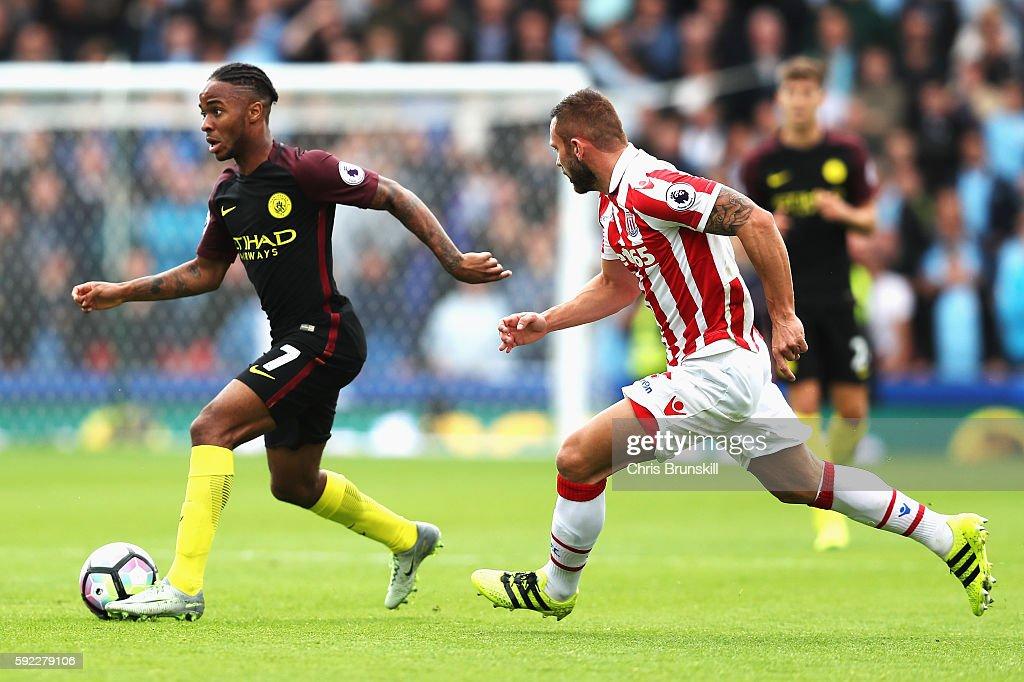 Stoke City v Manchester City - Premier League : News Photo