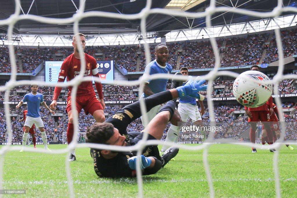 Liverpool v Man City - FA Community Shield : ニュース写真