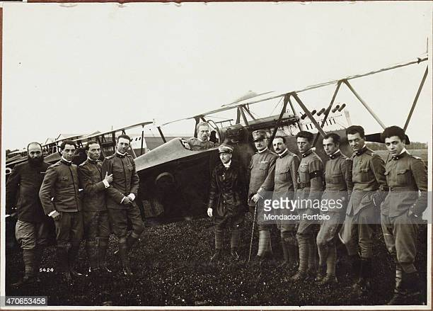 'PHOTOCINEMATOGRAPHIC DEPARTMENT OF THE ROYAL ITALIAN ARMY Raid on Vienna Major D'Annunzio and the pilots who flew over Vienna August 1918 Gelatine...