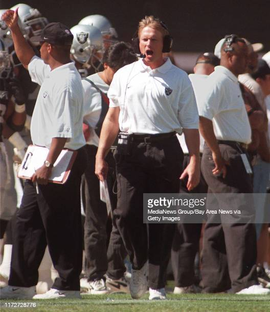 Raiders coach Jon Gruden reacts to a Denver TD very late in the first half that gave Denver a 1710 lead at the end of the half