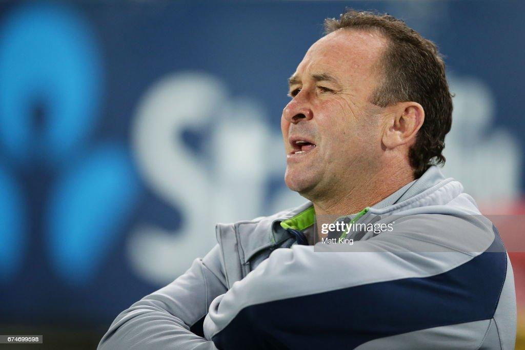 NRL Rd 9 - Bulldogs v Raiders : News Photo