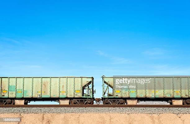 rail boxcars - 貨物列車 ストックフォトと画像